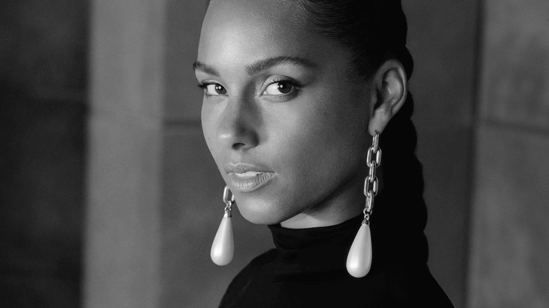"Photo of Alicia Keys: il significato di ""Perfect approach to die"""