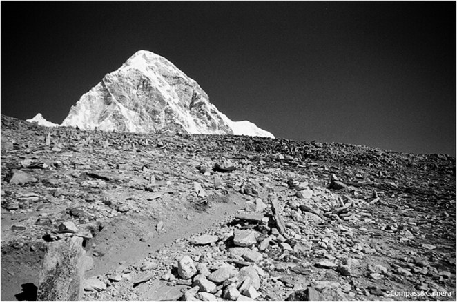 Trail to Kala Patthar with Pumori in the distance