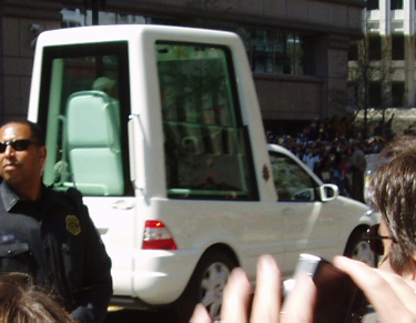 Popemobile_2