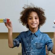 ESPAÑA:Fernando, el niño dominicano de 8 años que ha ideado un implante auditivo revolucionario