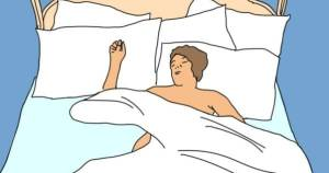 sleeping naked-how to lose weight in a week