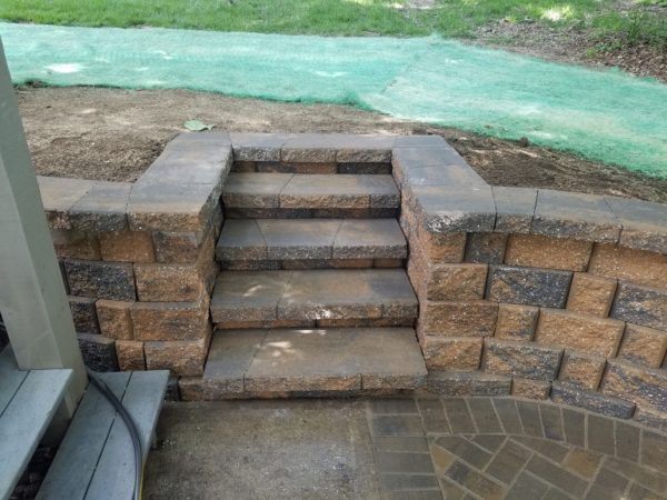 retaining wall hardscape contractor