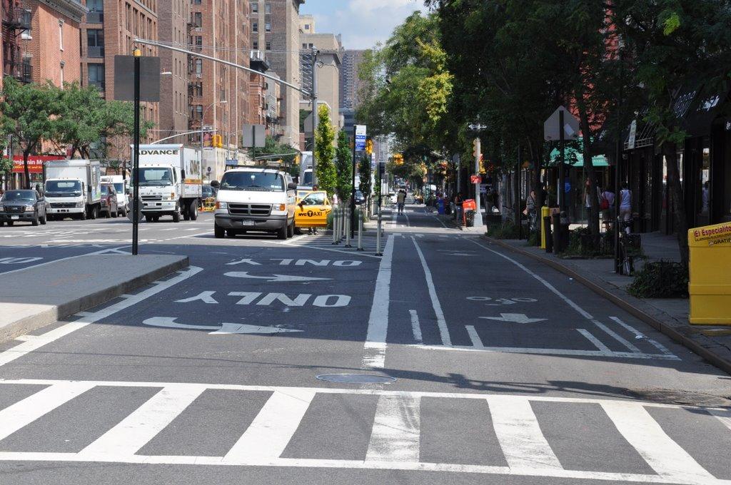 NYC bike lane: Look Ma, no broken elbow!