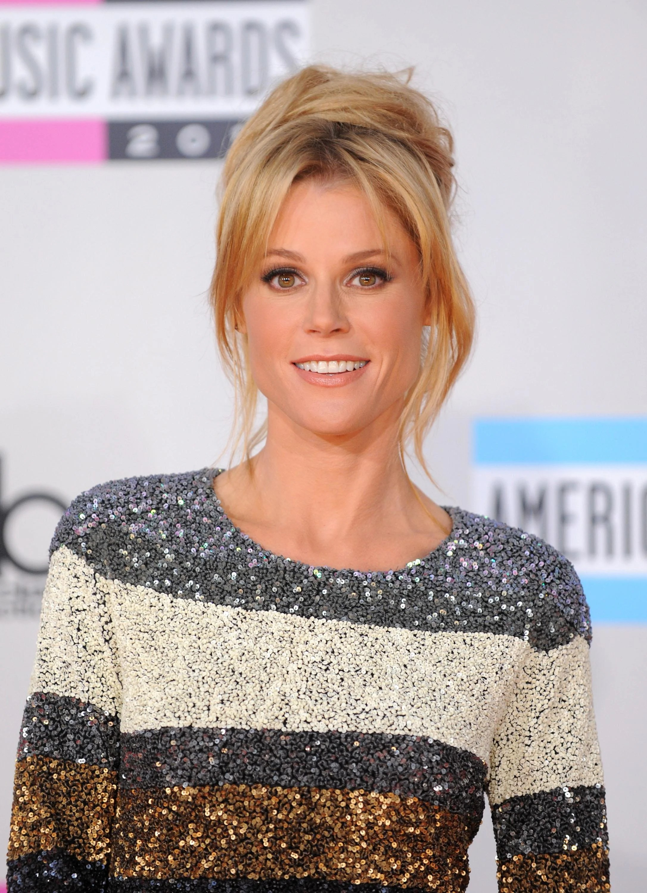 Claire Dunphy Hair : claire, dunphy, Julie, Bowen, Claire, Dunphy, Modern, Family:, Character, Study