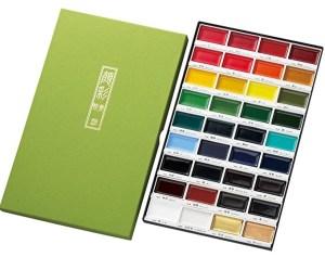 Set de acuarelas Kuretake 36 Color Set MC20/36V - Estuche abierto mostrando las pastillas