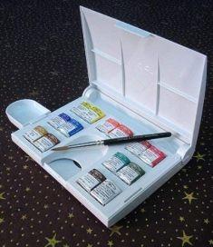 Acuarelas Profesionales - Winsor and Newton - Caja de Plástico compacta con 14 medio godets