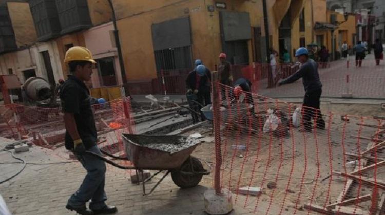 Ejecutivo estandarizará perfil profesional de personal que ejecute proyectos de pavimentación