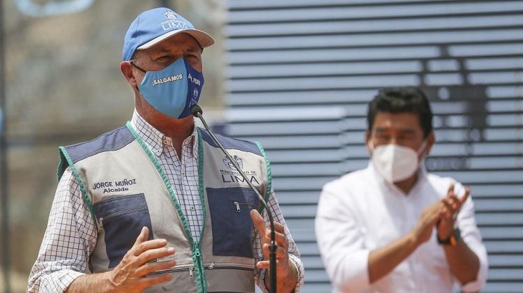 Alcalde de Lima presentó plan de 156 obras sociales en 19 distritos de la capital
