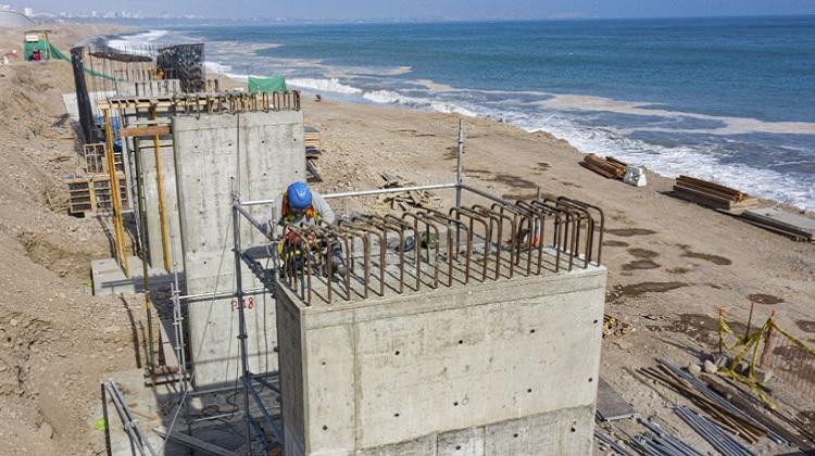 MML construye protección costera en vía Costa Verde de San Miguel