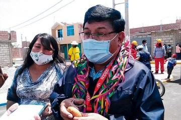 Denuncian a alcalde de Tacna por sobrevaloración en compra de pruebas rápidas