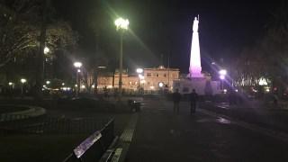 O que fazer em Buenos Aires - Plaza de Mayo e Casa Rosada ai fundo