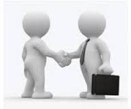 bonhommes réalisant un contrat de prestation de services