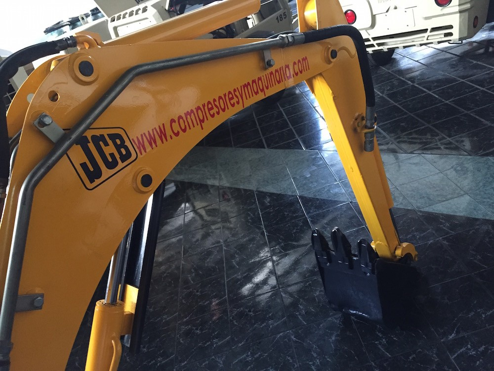 miniexcavadora jcb 8015 6