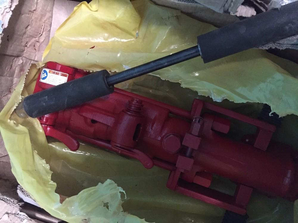 perforadora chicago pneumatic 1
