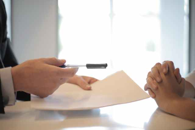 Prestito tra amici e prestito tra parenti: meglio fare una scrittura privata.