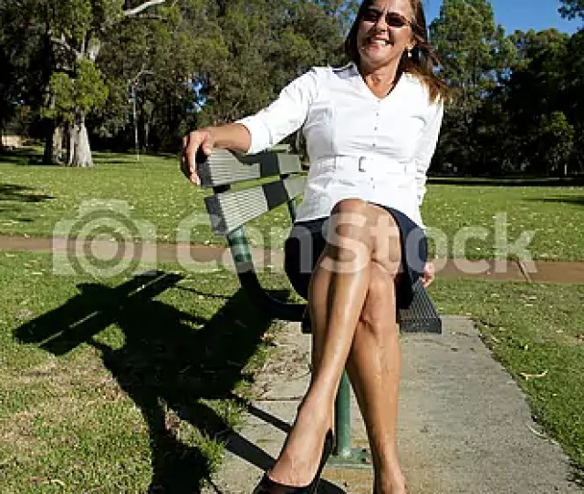 Sexy Mature Woman Sitting Outdoor Csp