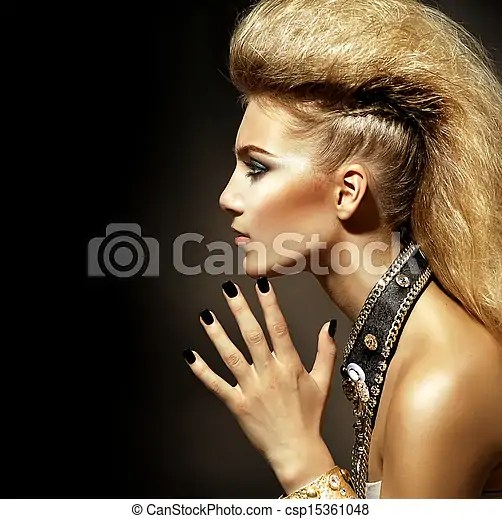Rocker Stil Mode Frisur Portrait Modell M�dchen