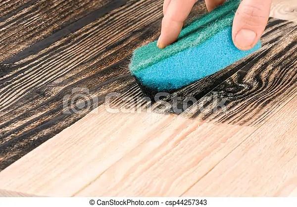 bois eponge couleur noir planche peinture