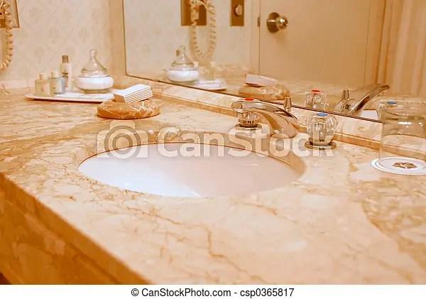 Interno bagno beige toni lusso