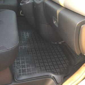 tapis pour nissan nv300