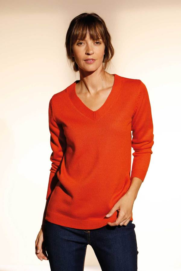 Le pull encolure V, manches longues orange