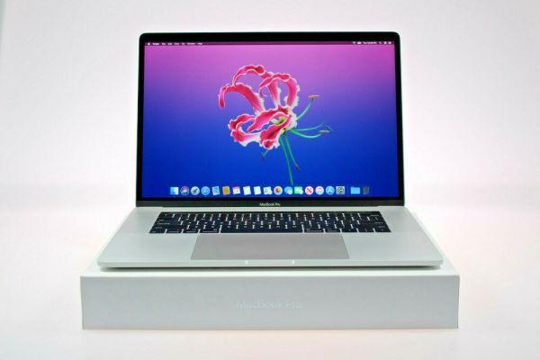 Apple MacBook Pro 15.4″ Core i7 2