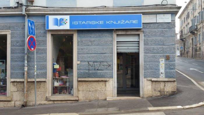 computer centar istarske knjižare service point