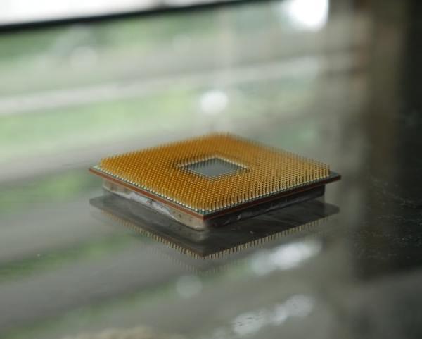 Chuwi Hi10 GO, il primo tablet con processore Intel a 10 nm