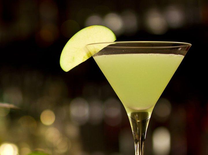 Apple White Lady - Vodca, licor de maçã verde e purê de maçã verde_
