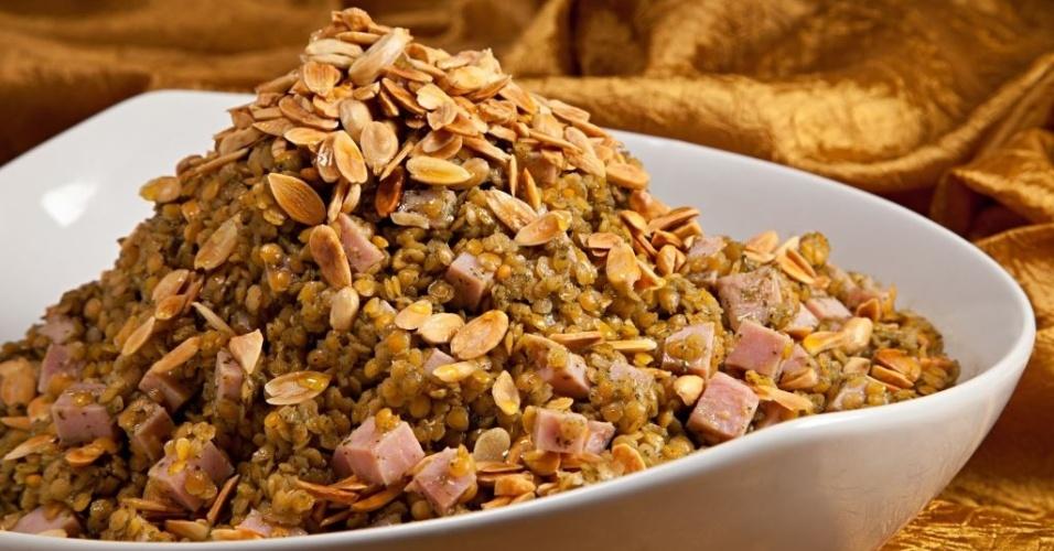 salada de lentilha e tender