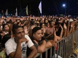 Juventude deve lotar a praia de Itapuã, em VV