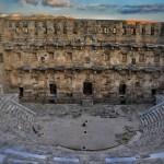 El teatro en Grecia: un género universal