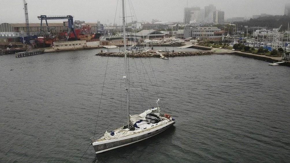 Velero Francés en Mar del Plata . Foto Telám