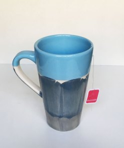 taza hendija ideal para el té color celeste