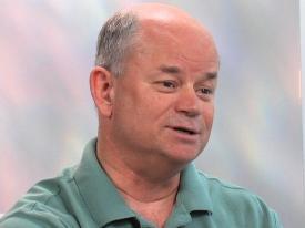 El Dr. Mike Feazell se retira