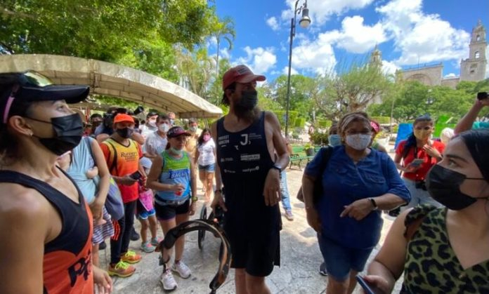 "Llega a Mérida, el ""Forrest Gump"" alemán: Jonas Deichmann | Con Acento"