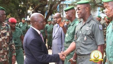 Mohamed Diané en visite de terrain dans les unités militaires de la capitale