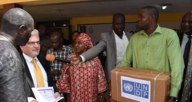 Don d'équipements du PNUD pour appuyer la promotion et l'autonomisation des filles et femmes de Guinée
