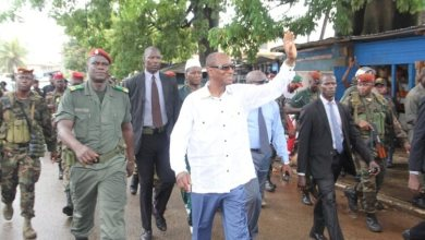 Alpha conde dans les rues de kaloum Conakry