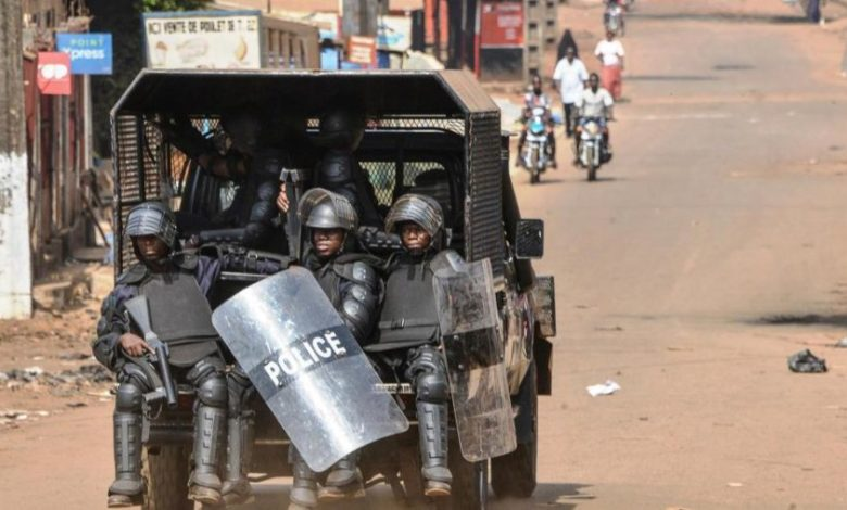 Des policiers guinéens le 14 janvier 2020 à Conakry. CELLOU BINANI / AFP