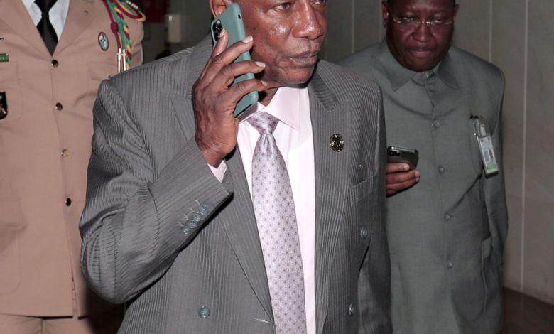 Alpha condé au téléphone