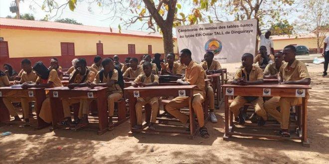 Cérémonie de remise de tables-bancs au lycée Elhadj Oumar Tall.