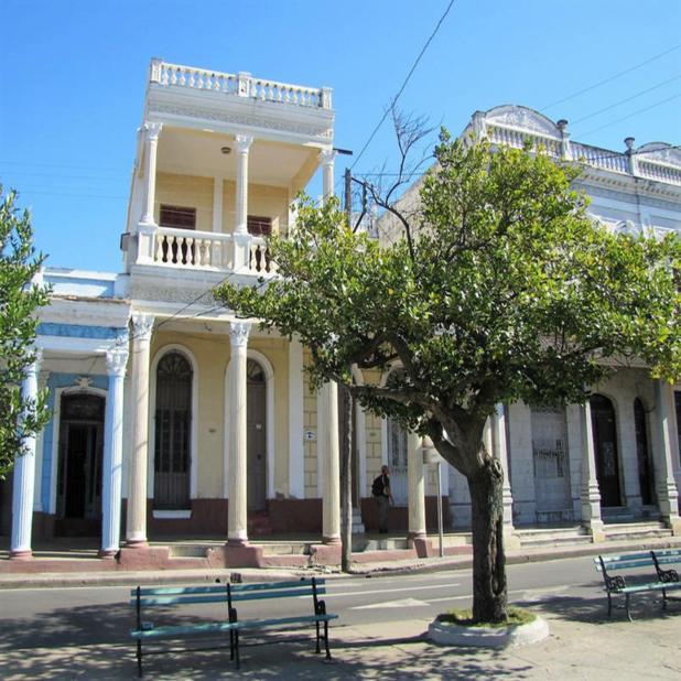 Renta de habitaciones en hostales y casas particulares Casa Zorzano cienfuegos