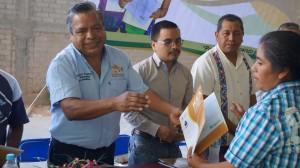 IEEA-entrega-certificados-a-65-alumnos-de-primaria-y-secundaria-Martin-Flores-1
