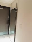 玄関用の巨大鏡を購入! 穴あけ不要で賃貸にも設置可能なアイテムに感動