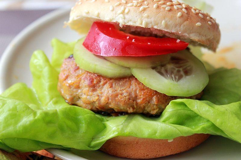 Orientalne burgery z marchewką