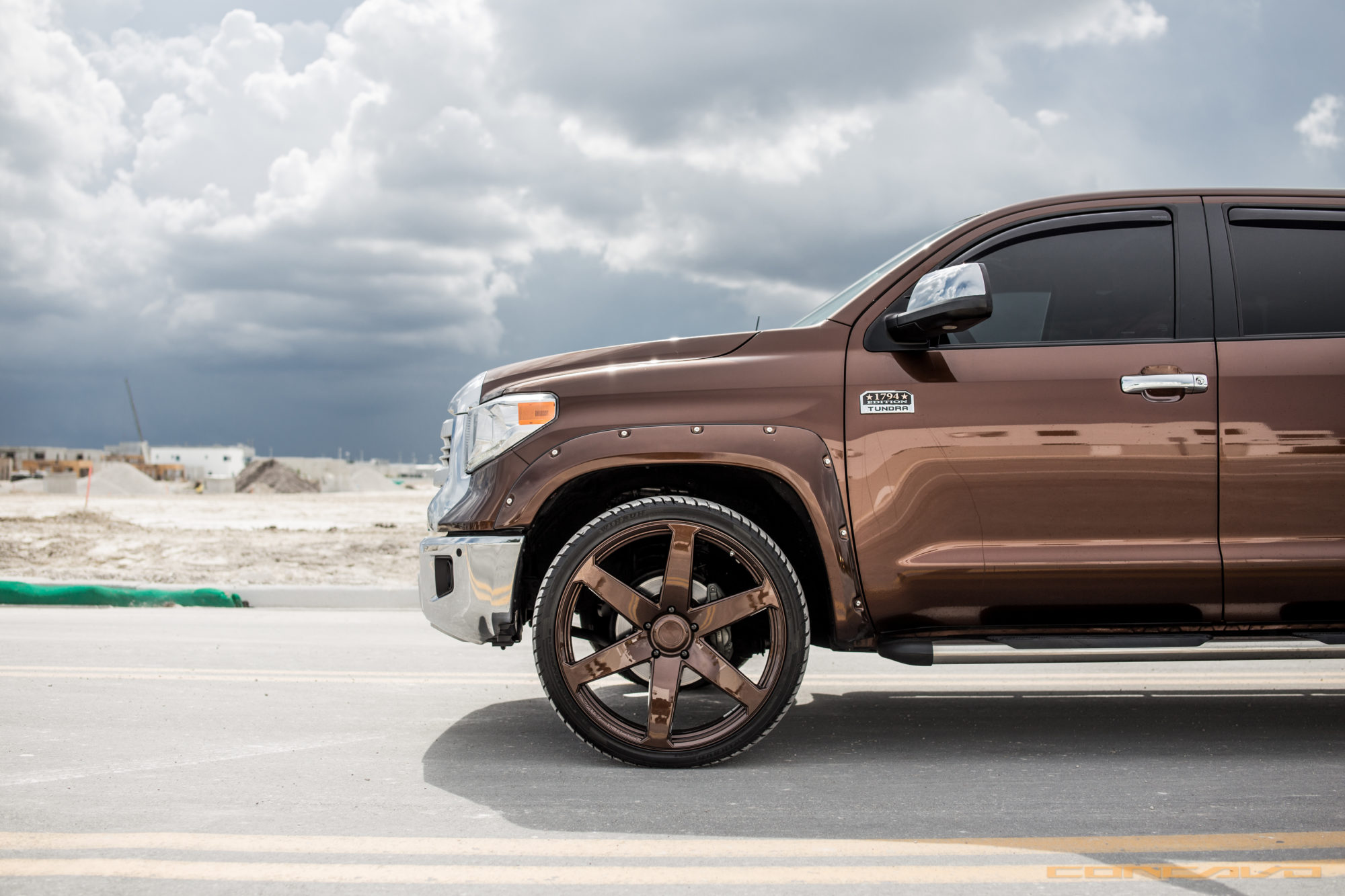 Toyota Tundra on Color Matching 26 CW6  Concavo Wheels