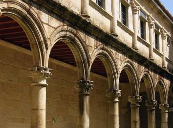 arcos_claustro_sanclodio