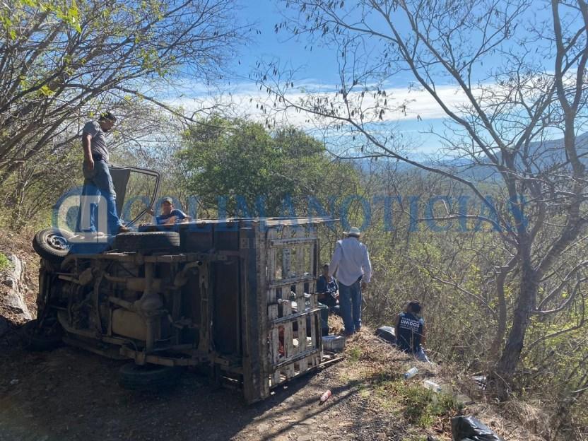 Se lesionan trabajadores del Ayuntamiento de Colima al volcarse en camioneta - Se lesionan trabajadores del Ayuntamiento de Colima al volcarse en camioneta - #Noticias