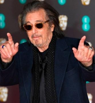 c1f6a252ddaacdd889f3466d36ecae88b8cafefe - La repentina caída de Al Pacino en la alfombra roja de los BAFTA (Fotos) - #Noticias